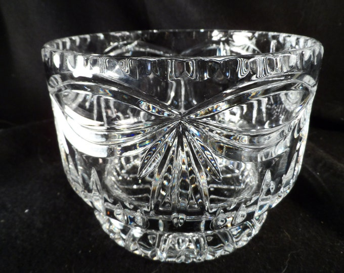 Berry Bowl-Lead Crystal Bowl-Clear Glass Bowl-Very well made lead crystal berry bowl