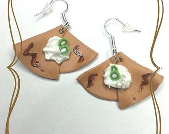 """Crêpe chantilly kiwi"" polymer clay earring"