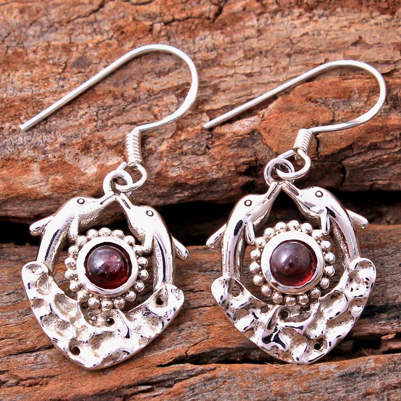 Red Garnet Round Shape Gemstone Dolphin Earring sve4793 925 Sterling Silver Handmade Designer Drop /& Dangle Earring Jewelry Length 1.4