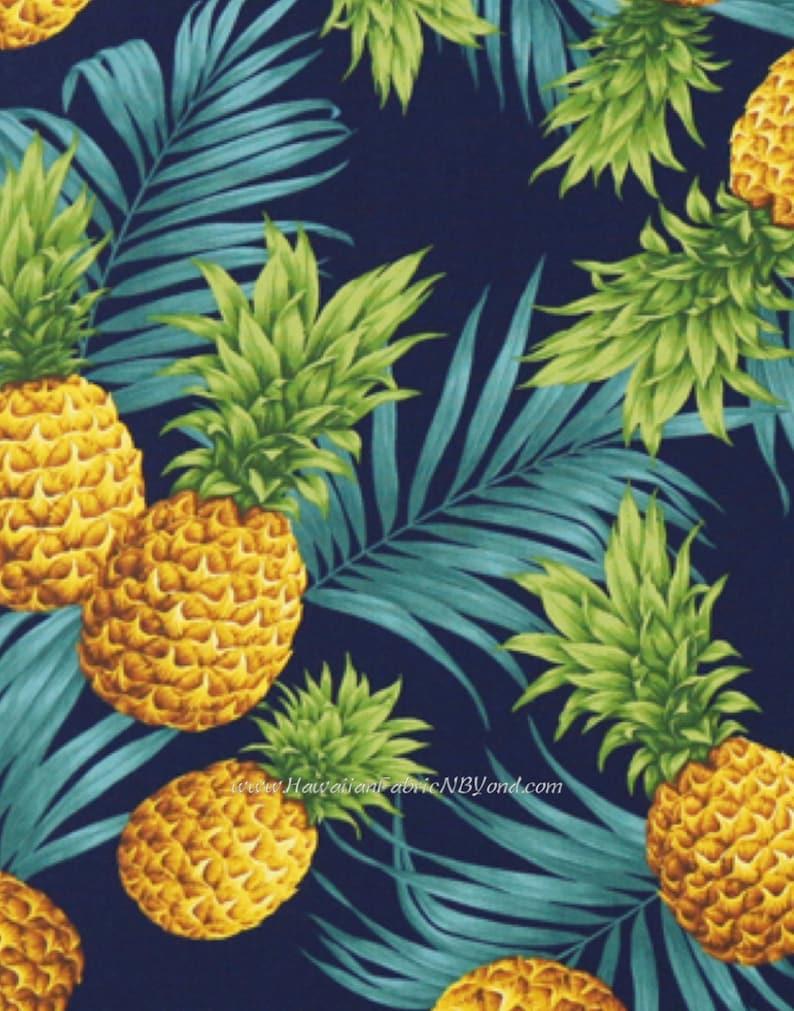 Navy Hawaiian Palm Tree /& Pineapple Printed 100/% Cotton Poplin Fabric.
