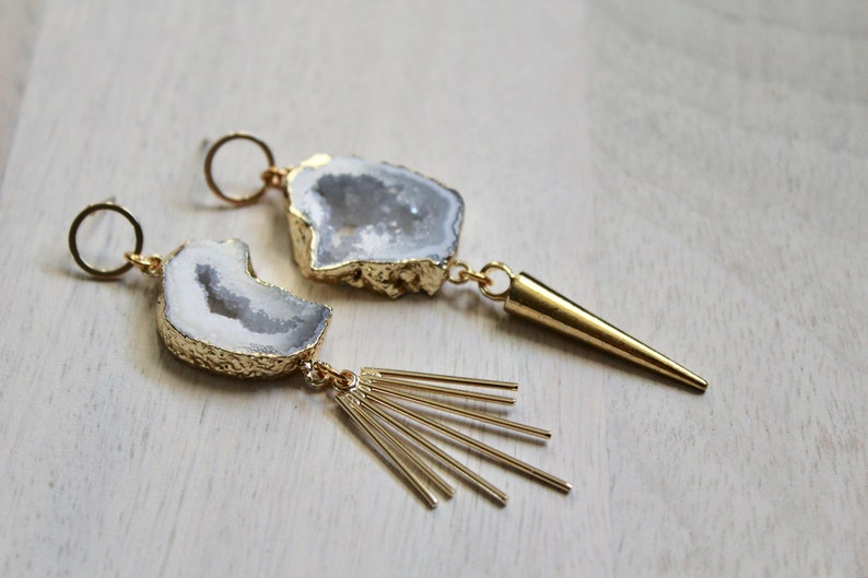 The Shapeshifter Asymmetrical Agate Earring image 0
