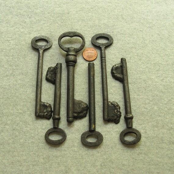 Medium Key Wedding Keys Primitive Keys Rustic Keys Antique Keys Antique Skeleton Key Set of 7 Old Skeleton Keys Keys to my Heart