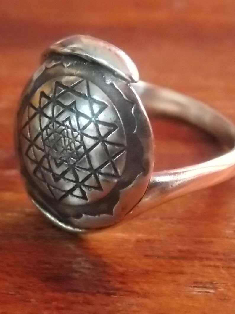 Sri Yantra Ring ,Sri Yantra Silver Ring 925,Coin Ring, Sri Yantra 925,  Spiritual Jewelry, Mandala Ring, Spiritual Ring, harmony Jewelry