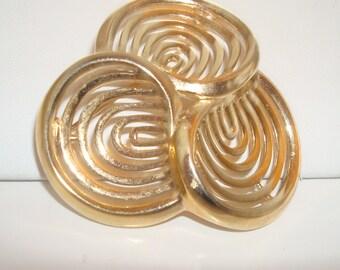 Unusual vintage trifari triple ring gold tone brooch