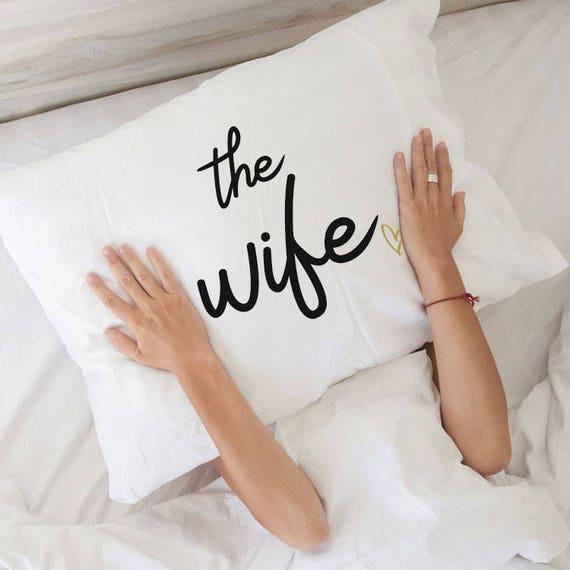 Femme cadeau meilleur femme cadeau taie d'oreiller épouse pour son amour coussin anniversaire cadeau mariage cadeau fiançailles cadeau nuptiales de douche cadeau drôle oreiller