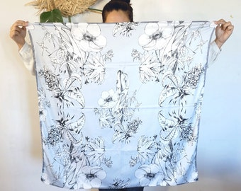 women scarf POLYESTER polysilk  large blue grey graphism sensation nice cute lion dancers flowers spring collection