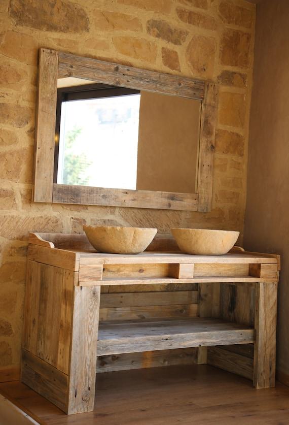 Mueble de ba o hecho con madera de palet reciclada con lavabos - Mueble lavabo madera ...