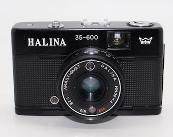 Halina 35-600 35mm Film Compact Camera with flash: Very good condition and tested - c.1970's - Olympus Trip Clone