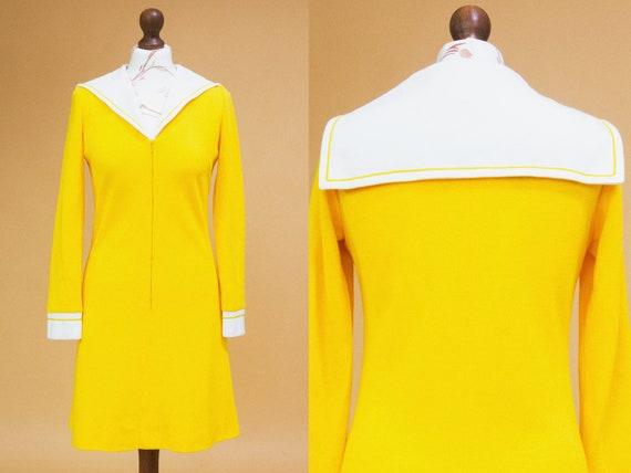 Cute & groovy vintage 1960s mod dress