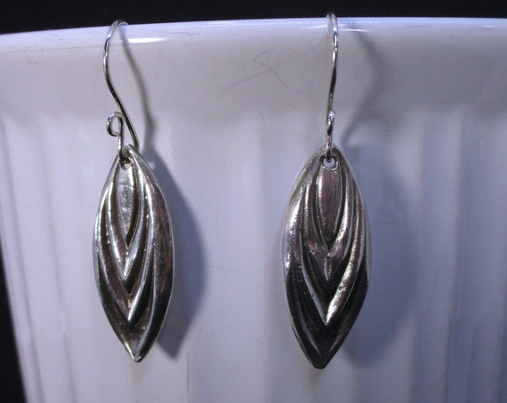 BO-270 earring in silver metal clay - free shipping