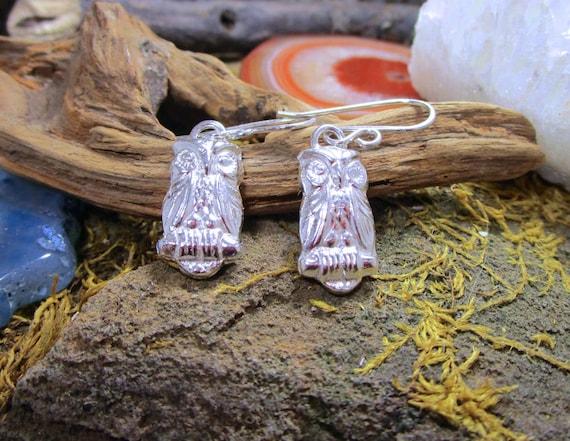 BO-151 earring in Sterling Silver (. 999) OWL - free form