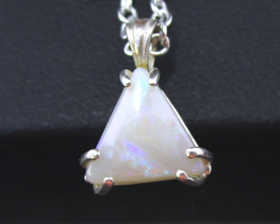 C-274 necklace with an opal and Silver 925, free shipping / Free Shipping