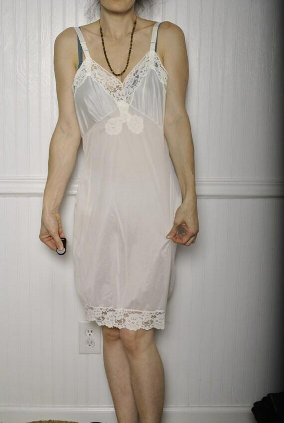 VINTAGE BARONET white lace slip / sz 36 short nigh