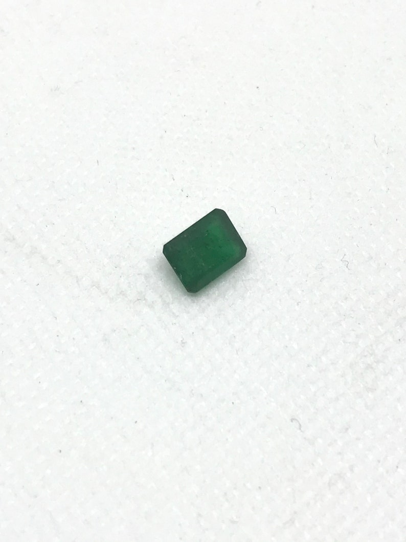 Emerald Cut EmeraldFaceted  8x6  mm appx. Green color,1.60 carats Lively 100/% Natural creative# G00083