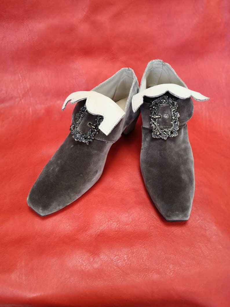 French Baroque shoes