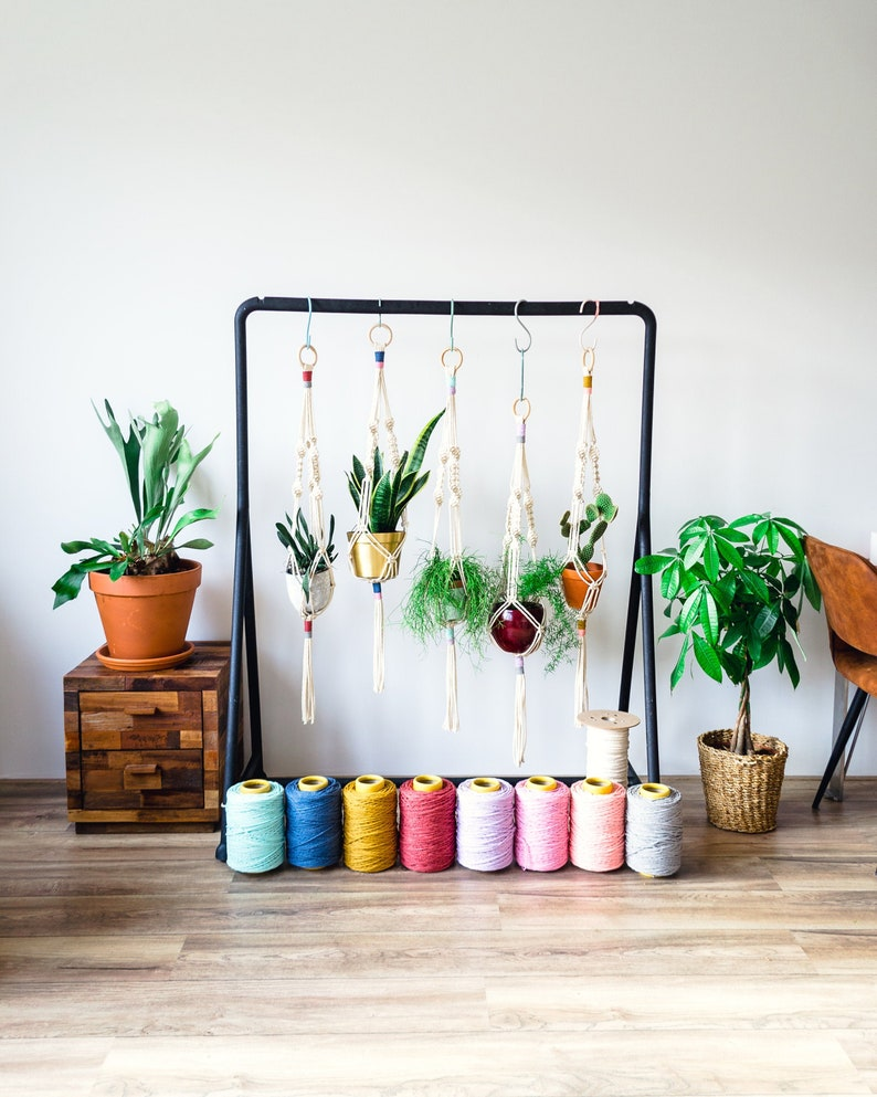 Macrame plant hanger to create your own vertical garden  image 0