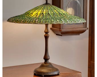 Art deco lamp shade art deco light stained glass table lotus lamp tiffany lamp stained glass lamp tiffany lamp shade lamp green aloadofball Image collections
