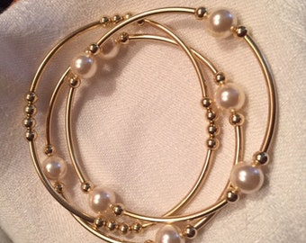 Grateful Pearl Bracelets--Cream/Gold Set of 3