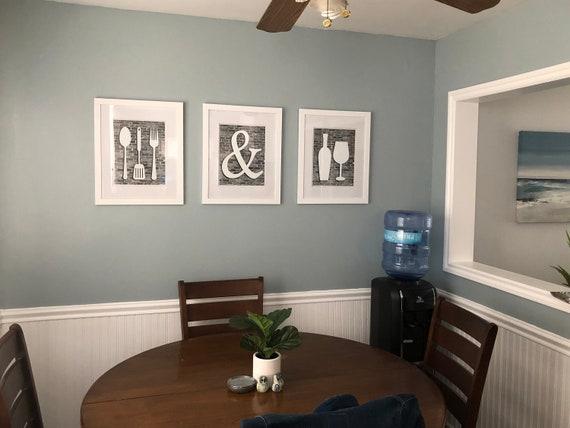 Arte della parete cucina grigia e bianca, mangiare bene ed essere allegra  stampa, arredamento cucina, cucina parete arte, Oggettistica per la cucina  ...