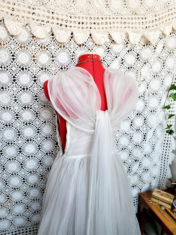 Stunning White 50's Gown   XS/Small