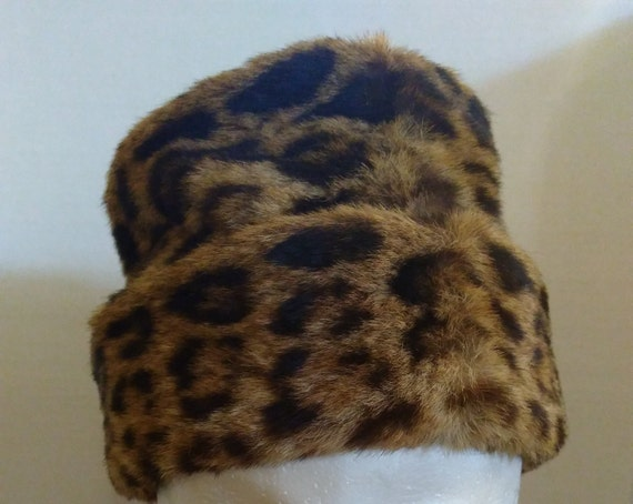 30's Spotted Fur Hat