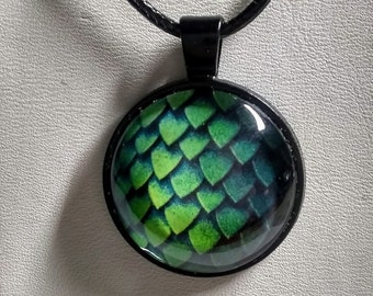Dragon Scales Necklace - Green Dragon Scales - GOT Necklace - Dragon Necklace - Daenery's Egg
