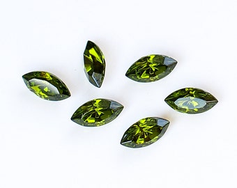 10x5mm OLIVINE Swarovski Navette Fancy Stones Article 4200/2