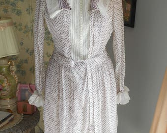 Pretty 1930's White and Purple Print Cotton  Dress