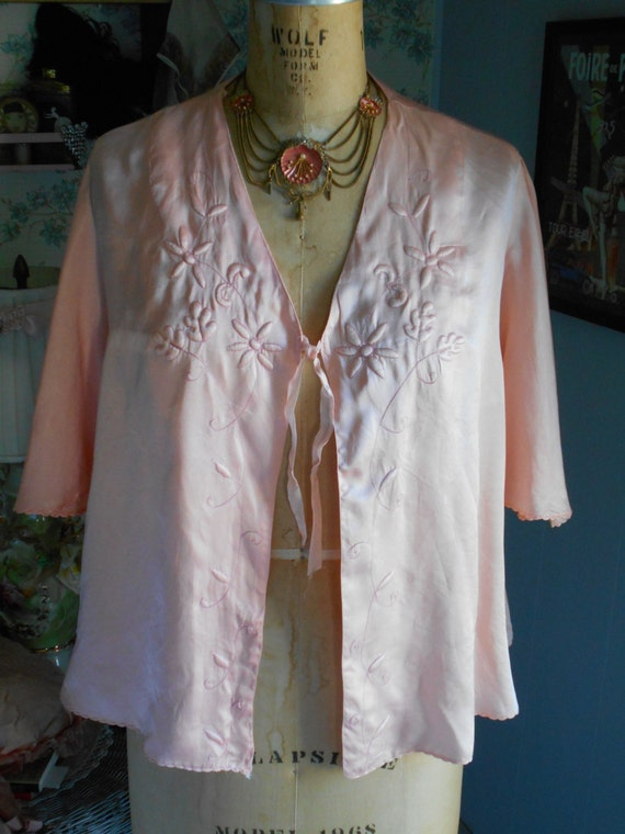 Beautiful 1930's-40's Peach Silk Bed Jacket