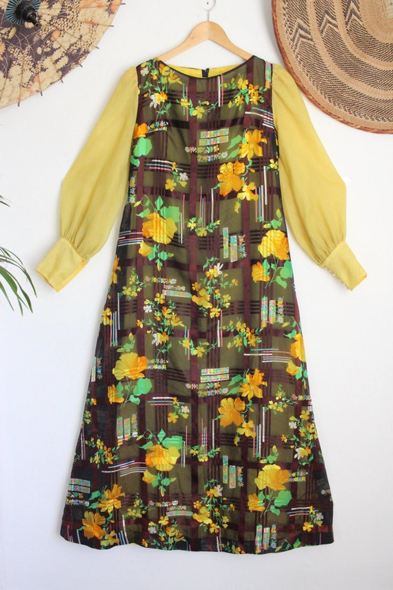 Vintage yellow floral flower Psychedelic 60s 70s m