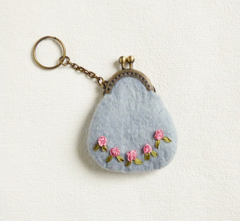 Tiny felted coin purse keychain Embroidery flower silk ribbon Bag pendant Wife gift Girlfriend gift Coin purse clasp Stylish women accessory
