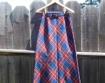 70s vintage plaid maxi skirt / Tartan high waisted long skirt / boho hippie preppy chic / western cottage cute hipster schoolgirl / S M 9 10