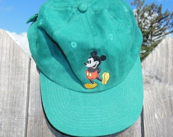 6235ffa0788 80s vintage Mickey Mouse hat   baseball trucker cap green cotton  embroidered Disney cartoon Goofy Hat Co   hipster preppy   one size unisex