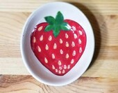Strawberry Ceramic Dish, Strawberry Bowl, Oval Strawberry Bowl, Strawberry Ring Holder, Strawberry Spoon Rest, Strawberry Art
