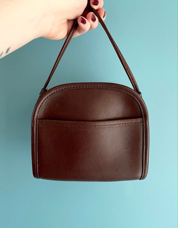 Vintage Coach Small Brown Leather Crossbody Bag //