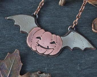 Pumpkin Smile Pendant - Pumpkin Bat Necklace - Pumpkin-Vampire - Jack O'Lantern Necklace - Jack the Lamplighter - Halloween Pendant