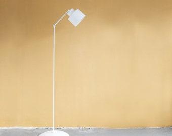 Modern Floor Lamp in White, Minimal Style Lamp, Lamp for Living Room, Handcrafted light, Bedroom Lamp