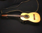 Casa Ricardo Solid Wood Classical Guitar in a Chipboard Case Ready to Play as-is. 1 G