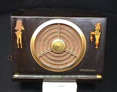 Vintage Bakelite Cased RCA Victor Golden Throat AM Radio Model 9-X-561 Humming