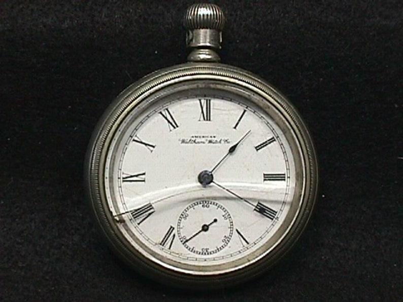 pocket-watch-swinging