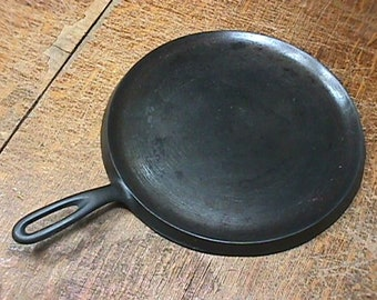 Wagner Ware Cast Iron Griddle # 1109 E Cleaned-Seasoned, and Ready to Use