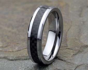 Mens Wedding Band, Tungsten with Carbon Fiber inlay, Polished Beveled Edge, Mens Gift, Anniversary rings, Personalized Wedding Ring