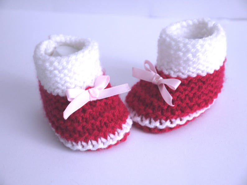 928df919f7247 Booties 0/1 month birth wool baby girl raspberry and white satin bows