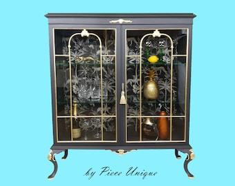 Vintage Black & Gold Leaf Painted Glass Display Cabinet/Cocktail Cabinet/Gin Cabinet/Drinks Cabinet/ Bathroom/Dressing Room Cabinet