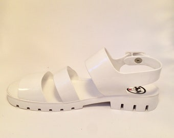 bb7a9fdbcbe 90s White Jelly Sandals