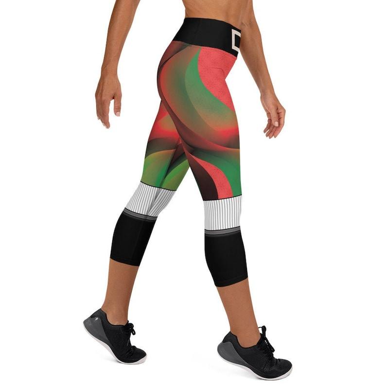Xtmas Yoga CAPRI Leggings image 0