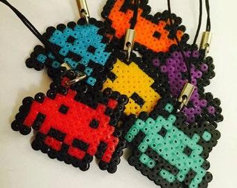 Space invader phonecharm/magnet. Mini hama bead pixel art creation.