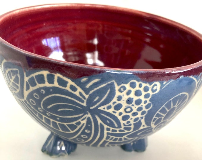Footed sgraffito flower bowls