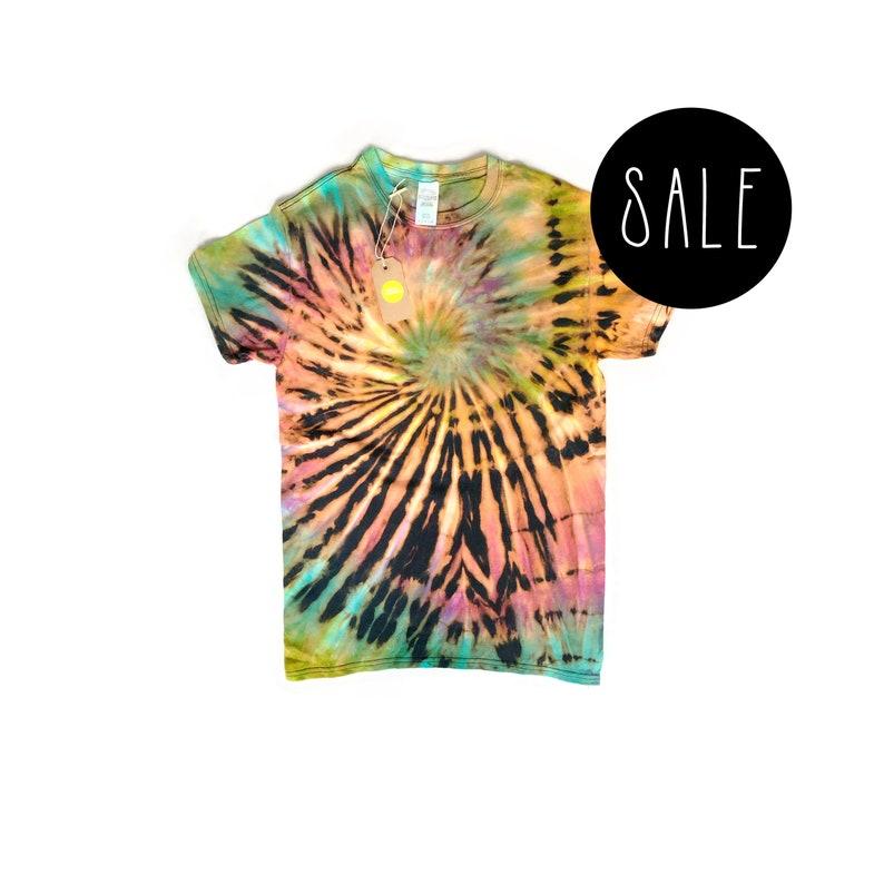 5af20714c6591 Reverse Tie dye t-shirt | Small tie dye tshirt, unisex tie dye tshirt,  reverse tie dye rainbow, tie dye SALE