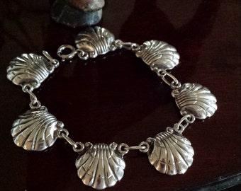 Sterling silver vintage shell  artist signed Peterson bracelet